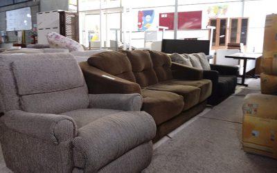 Por que comprar em um bazar de móveis usados?
